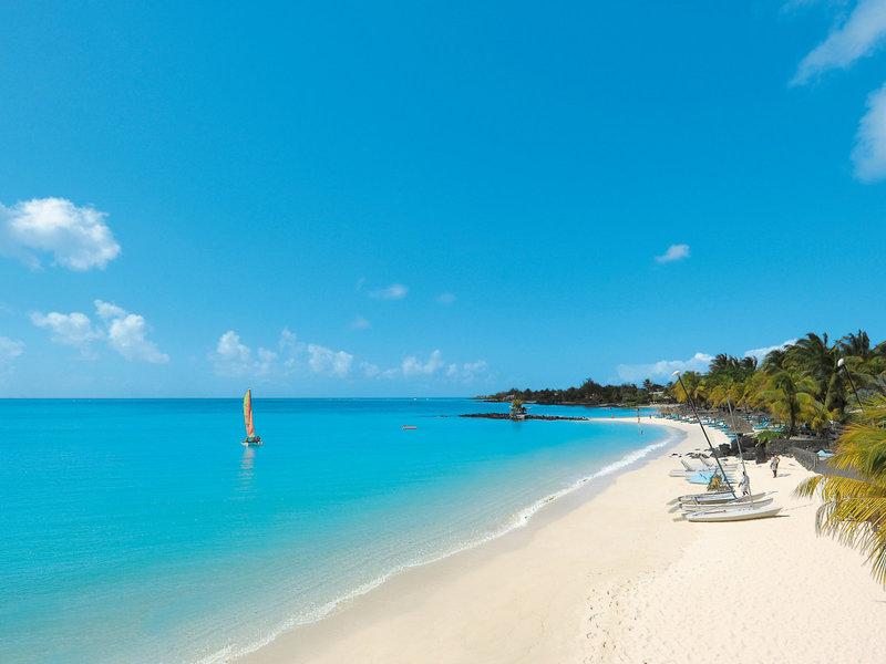 Royal Palm Beachcomber Luxuxhotel - Bei einem kleinen Segeltörn an der Küste