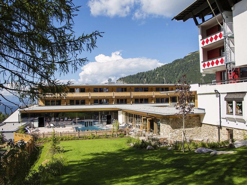 Kinderclub Falkensteiner Sonnenalpe - Blick auf die Terrasse im Sommer
