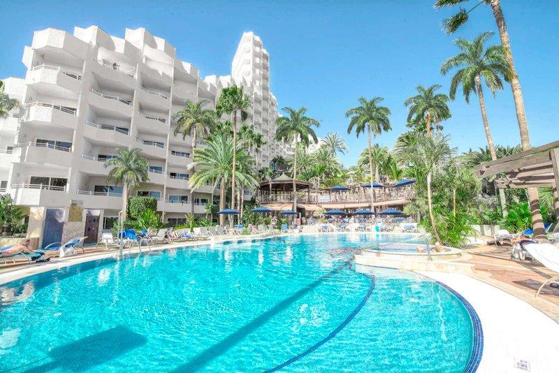 Corallium Dunamar Garden Erwachsenenhotel - Blick auf den türkisfarbenen Pool
