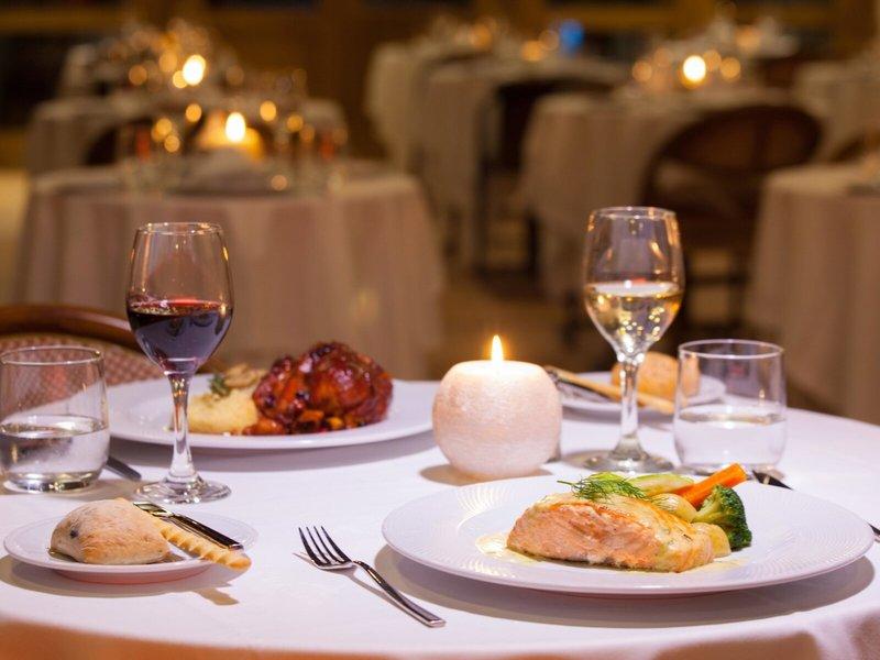 Corallium Dunamar Garden Erwachsenenhotel - Im Restaurant zum leckeren Dinner