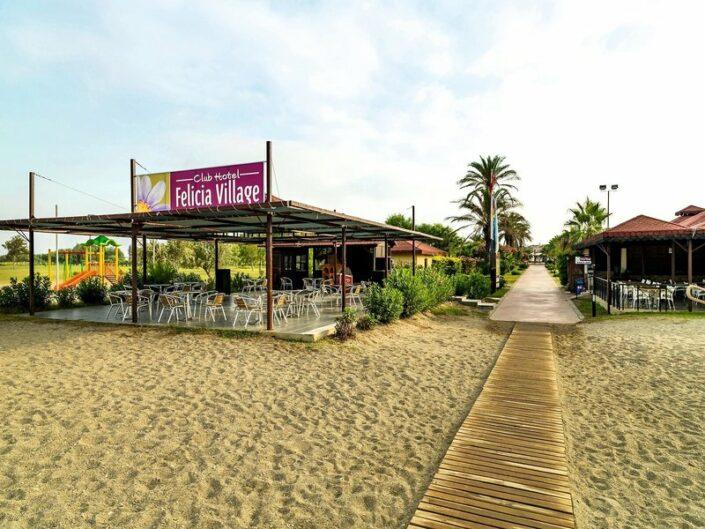Am Strand und in der Strandbar