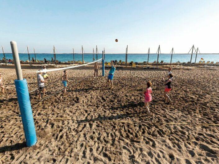 Beim Beachvolleyball
