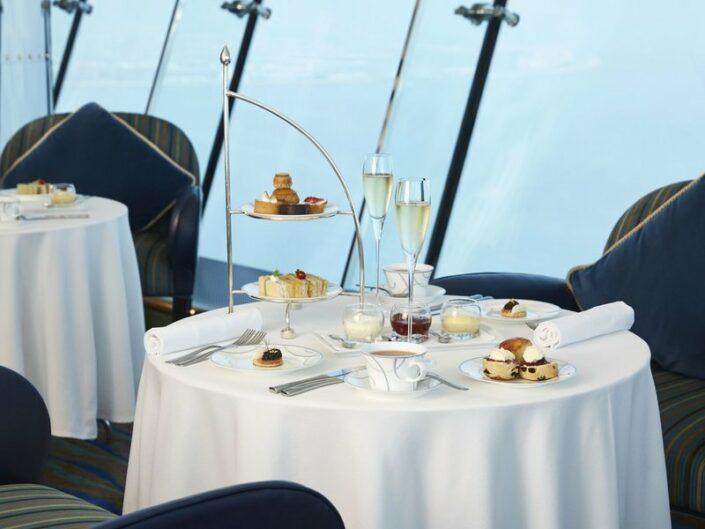 Burj Al Arab Jumeirah Luxushotel - Afternoon Tea Time
