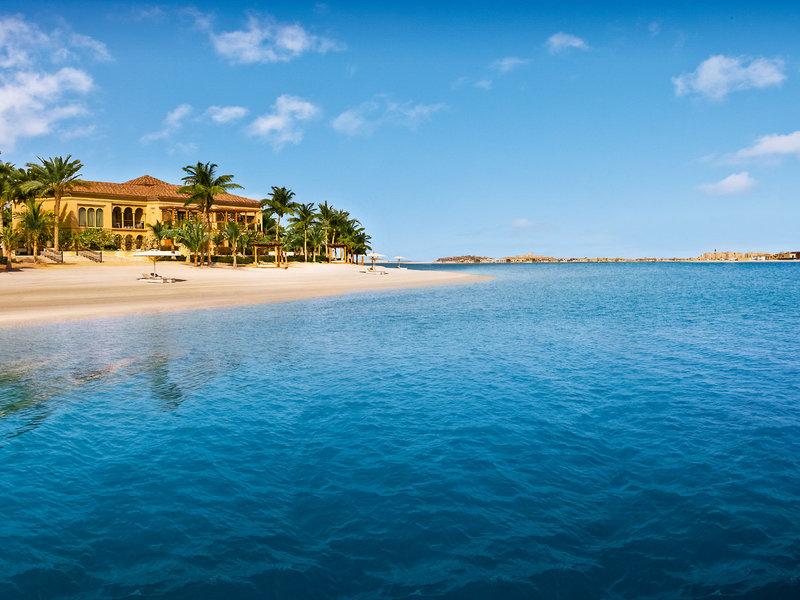 Am Strand unter Palmen