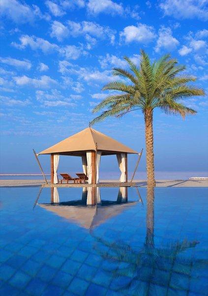 The Ritz-Carlton Ras Al Khaimah - Am wundervollen Pool