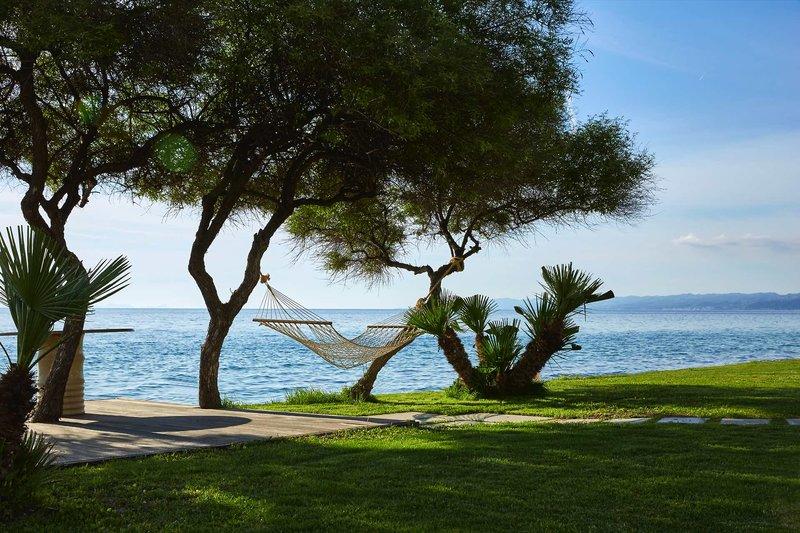 Afitis Boutique Hotel Chalkidiki - Einfach nur entspannen im Garten in der Hängematte