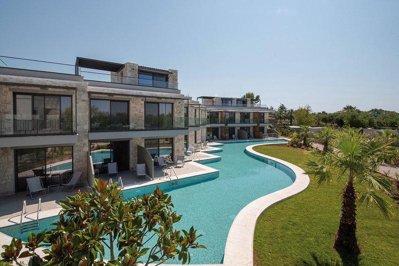 Portes Lithos Luxury Chalkidiki - Blick auf den Swim Up Pool