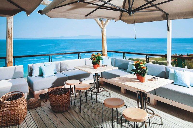 Rigas Boutique Hotel Chalkidiki - An der Bar mit Meerblick