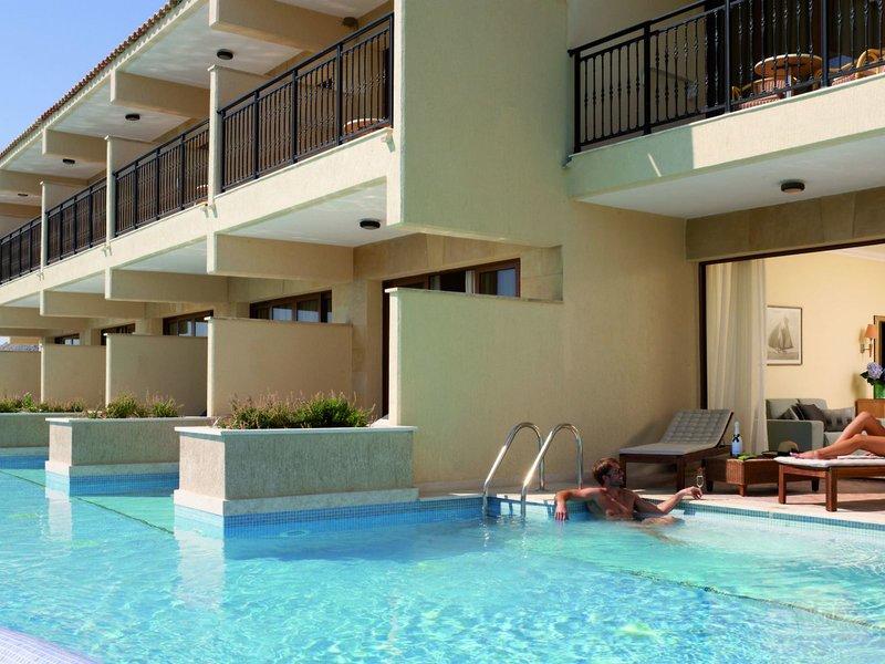 Am Swim Up Pool vor der Suite