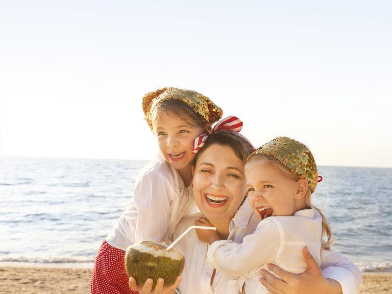 Kinderhotel Rhodos LUX ME - Mit den Kleinen am Strand Spass haben