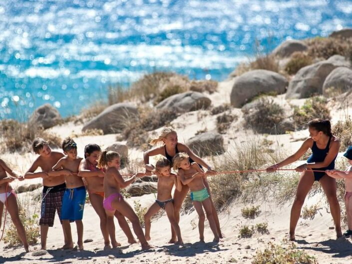 Kinderspass am Strand