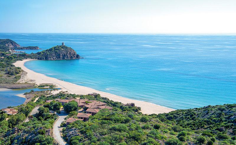 Chia Laguna Resort Sardinien - Blick auf die Bucht und den Strand