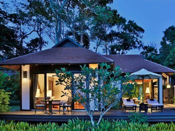 In der Villa am Abend mit Blick auf die Terrassen