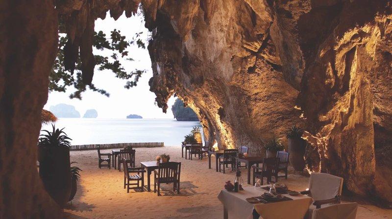 Rayavadee Krabi Thailand - Restaurant in der Grotte, naja so siehts aus ist eigenltich das Strand Restaurant