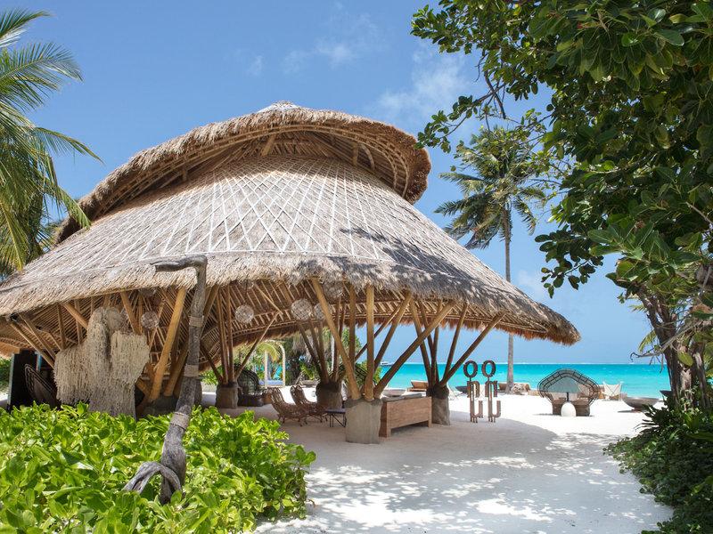 Fairmont Maldives Urlaub - Entspannen am Strand