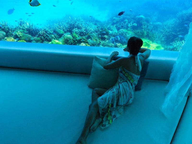 Huvafen Fushi Maldiven - Den Fischen aus dem Spa zusehen