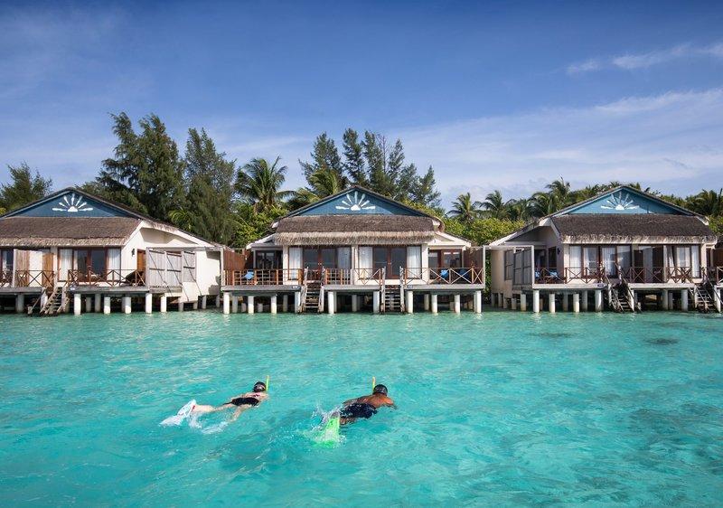 Taj Coral Reef Malediven - Beim Schnorcheln vor den Villen