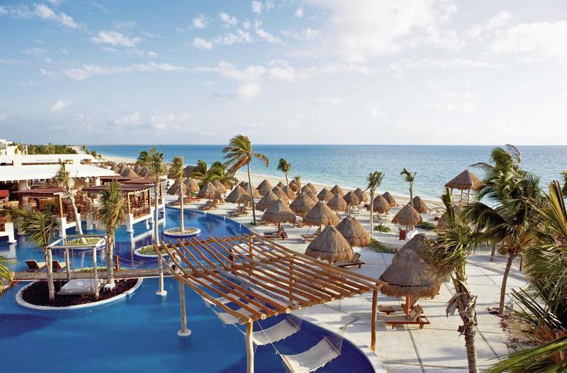 Excellence Playa Mujeres Cancun - Blick auf den Pool, den Strand und das Meer