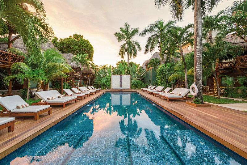 Magic Blue Hotel Yucatan - Blick über den Pool