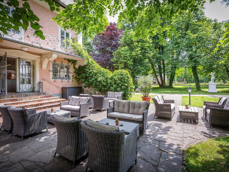 Die Lounge im Garten