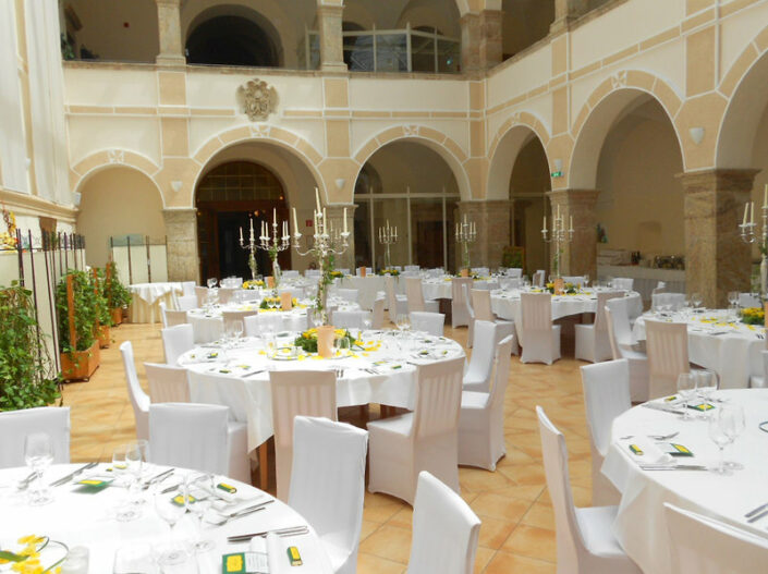 JUFA Hotel Schloss Röthelstein/Admont - Im Restaurant