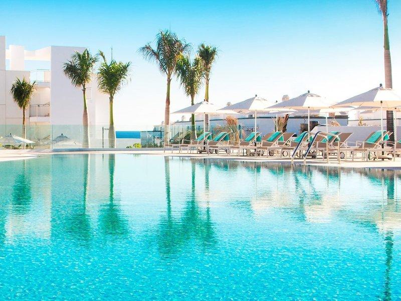 Lava Beach Hotel Lanzarote - Am wunderbaren Pool entspannen
