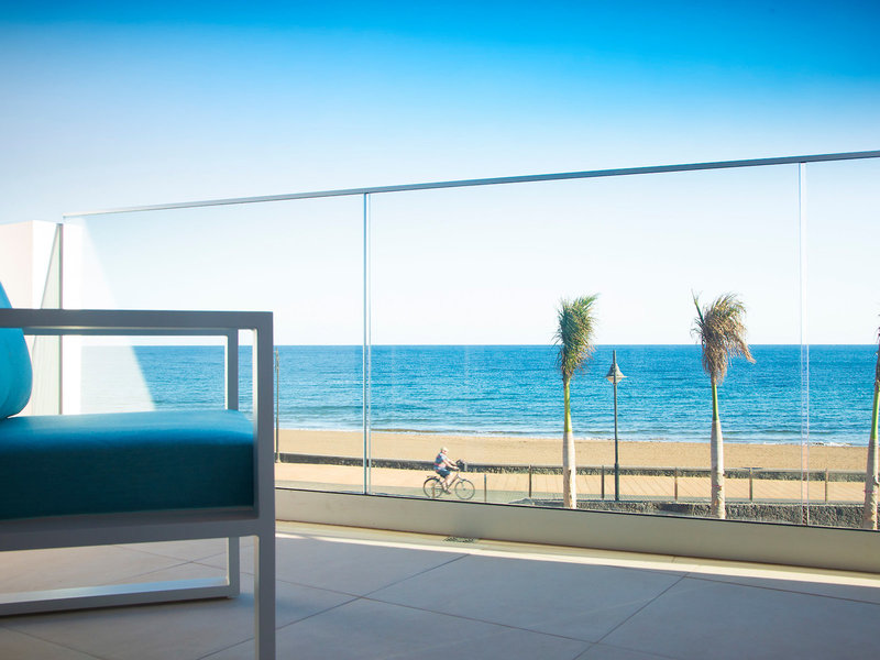 Lava Beach Hotel Lanzarote - Einfach Strand und Ozean vom eigenen Balkon geniessen