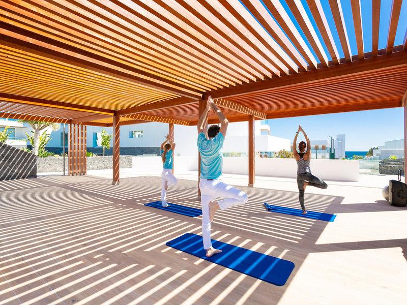 Lava Beach Hotel Lanzarote - Beim Yoga