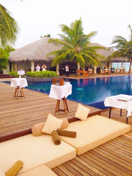 Relax Ecken um den Pool