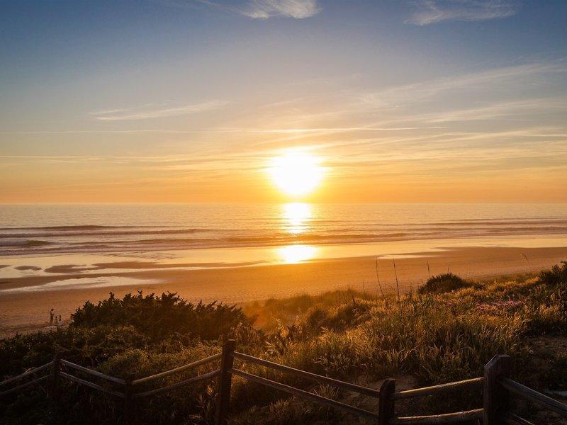 Royal Hideaway Sancti Petri Spanien - Sonnenuntergang über dem Meer