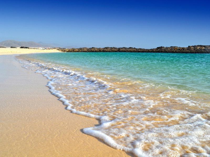 Secrets Bahia Real Fuerteventura - Am Strand