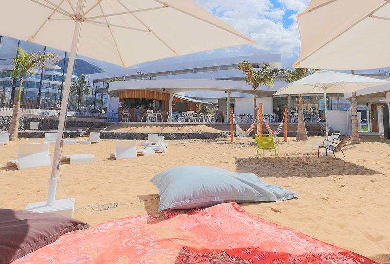 Baobab Suites Teneriffa - In der Strandbar