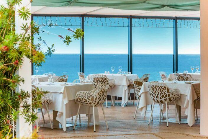 Iberostar Grand Salome Teneriffa - Im Restaurant mit wunderbarem Blick auf das Meer