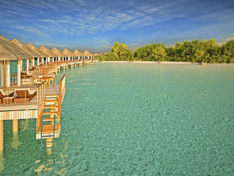 Drift Thelu Veliga Malediven - Ausblick von den Wasservillen auf den Strand und die Lagune