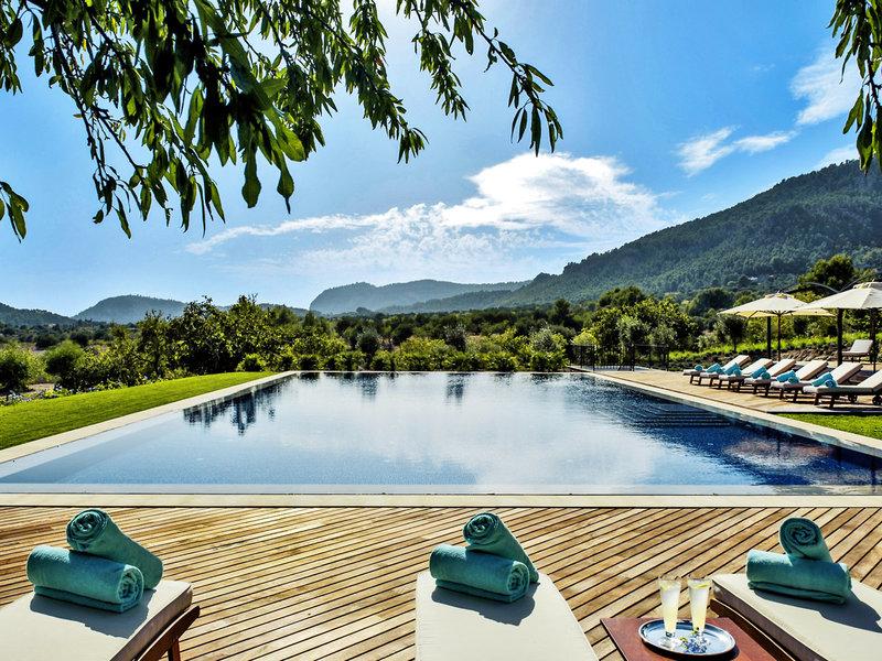Traumhaftes Panorama am Pool